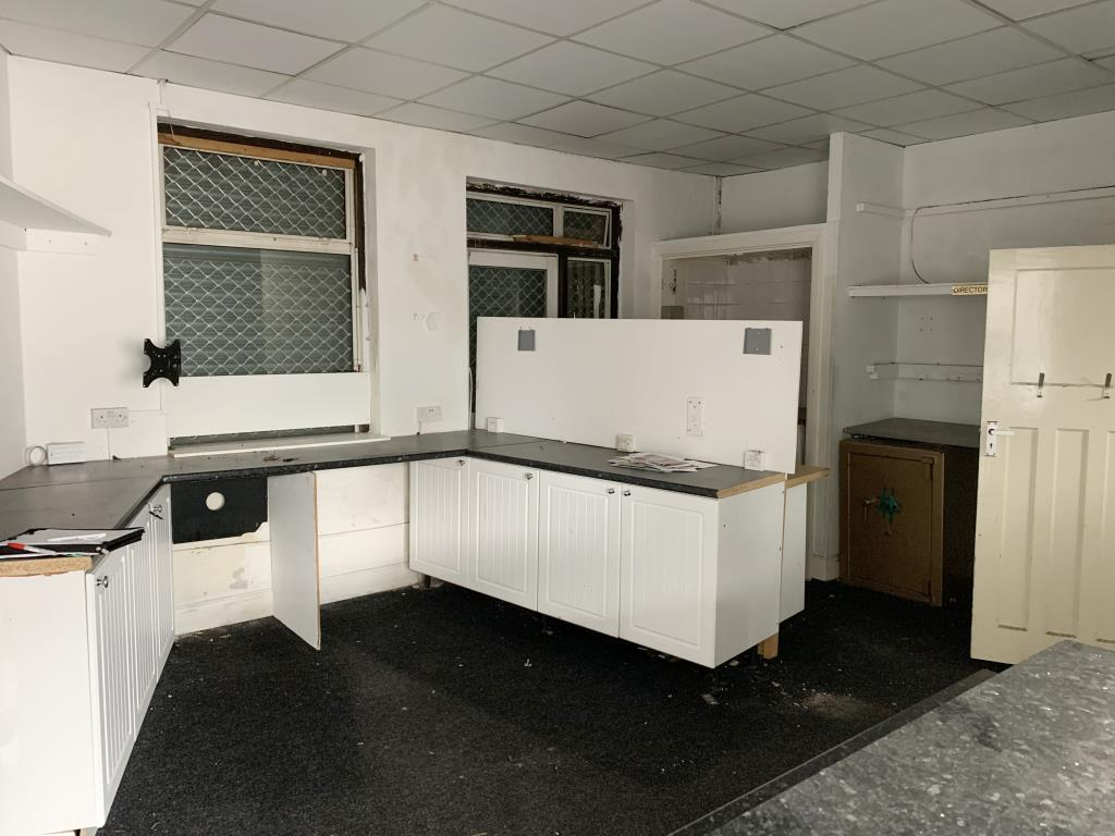 Mixed Commercial/Residential - Barnehurst