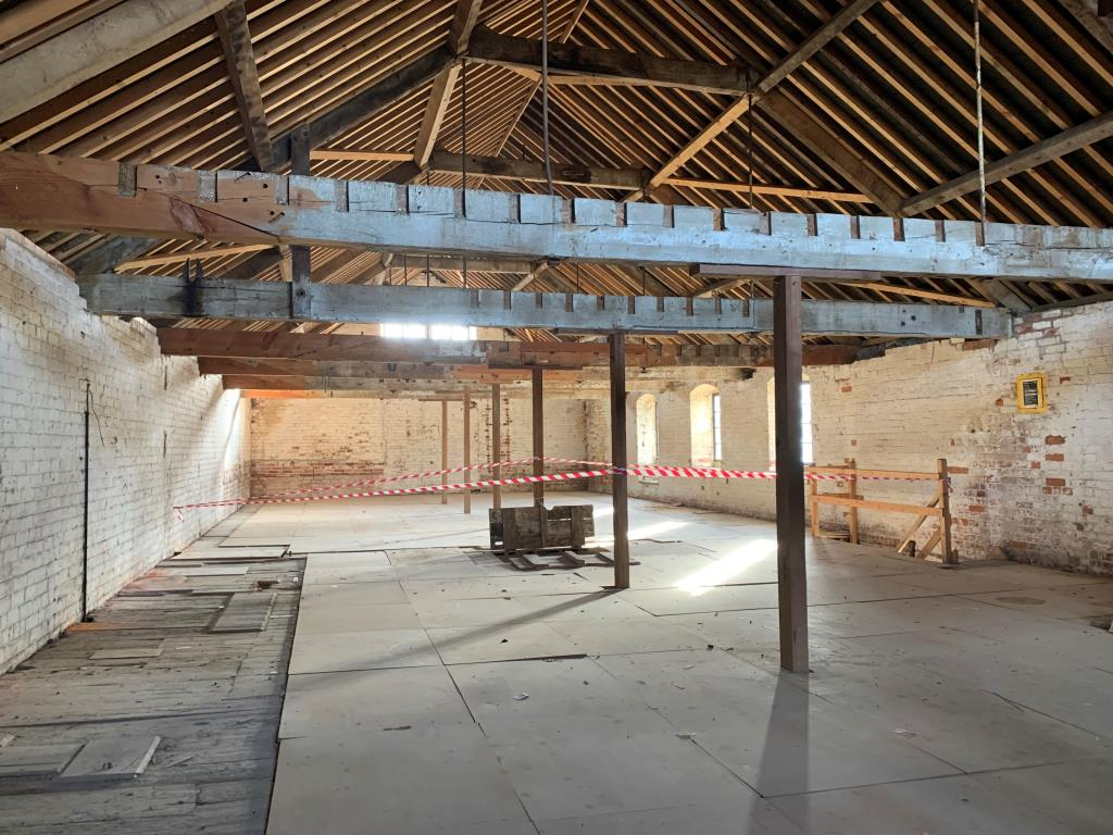 Vacant Commercial - Stroud Area