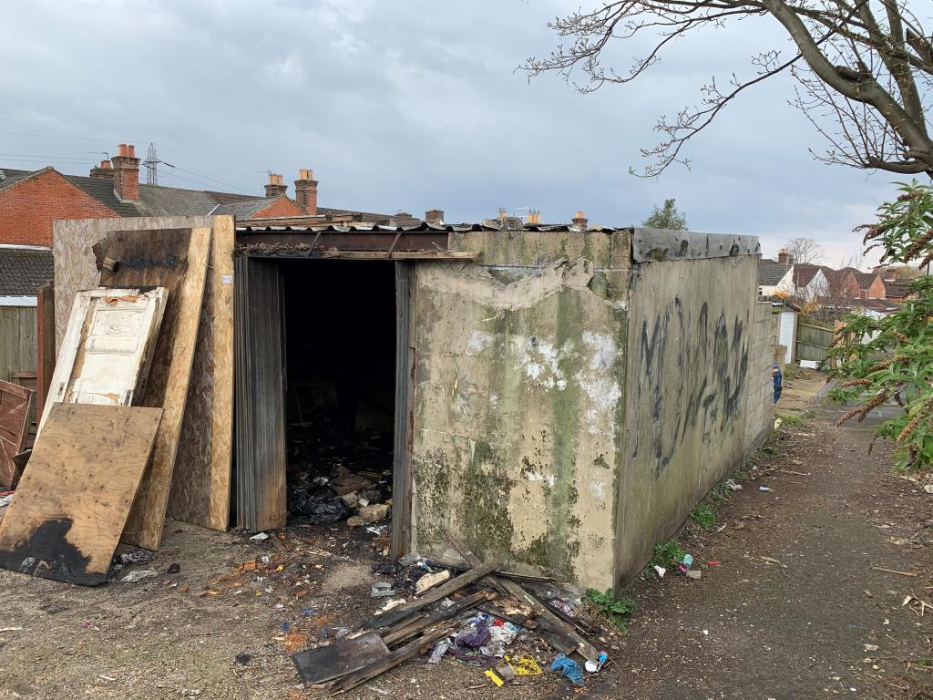 Garages - Southampton Area