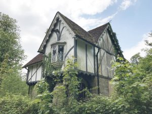 Grade II listed gatehouse, Tonbridge